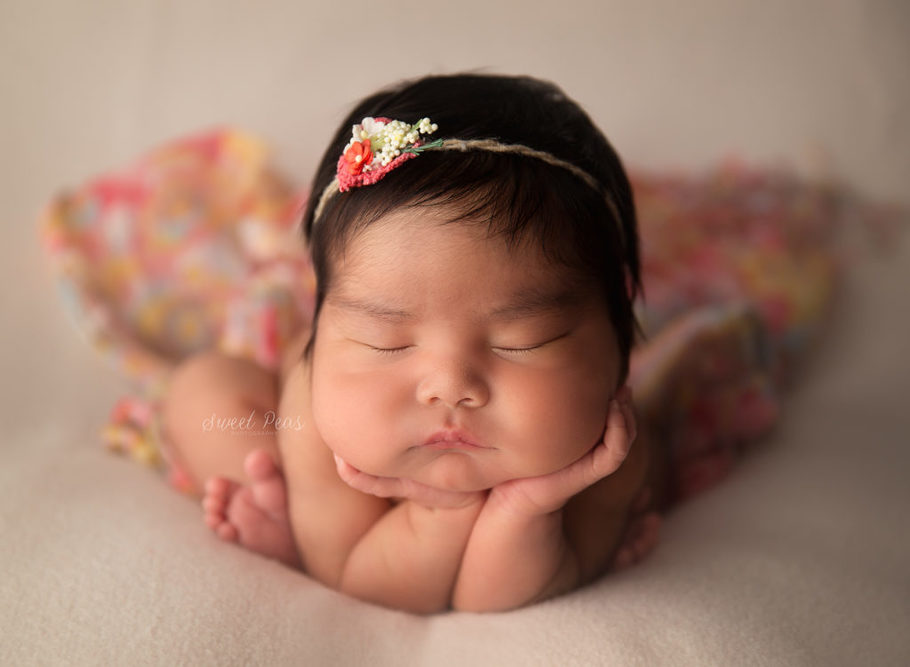 Kingman Arizona Newborn Photographer Baby Elina froggy pose baby with hair